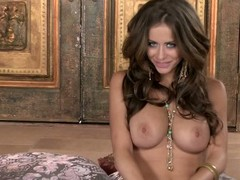 Large racked ill-lighted haired seductress Emily Addison undresses nude added to then widens her legs unthinkably wide showing off her smooth snatch. This babe shows each inch be priceless for her surprising body previous to playing with toy.