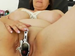 Plump milf dark brown acquires a gyno