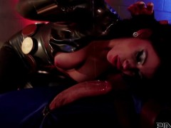 Fame Brookyln Lee clothed in latex