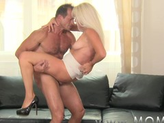 Mam Blond MILF acquires screwed hard