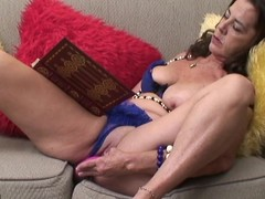 Naughty older whore getting herself sopping