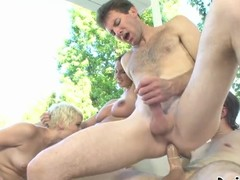 Swinging one as well as the other ways Choreograph Sex! See 2 Couples Fucking In The Backyard!