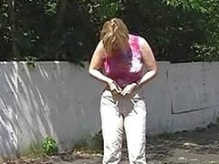 Tit-flasher mixes exposing jointly with pissing