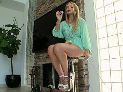 Eighteen yo glamorous teaser Alyssa Branch