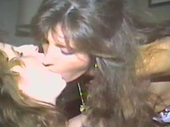 On target lesbo flashback with 2 retro hotties