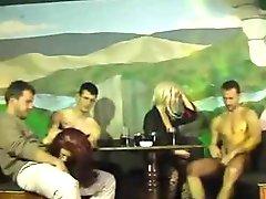 Kobra i ortaci Serbian