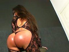 Latin ladyman Karen Rodrigues jerking