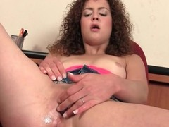 Bushy whisker sweetie-pie turns on the brush pink love tunnel