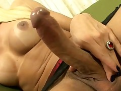 Shemale organizes 10-Pounder-engulfing for her fuckmate